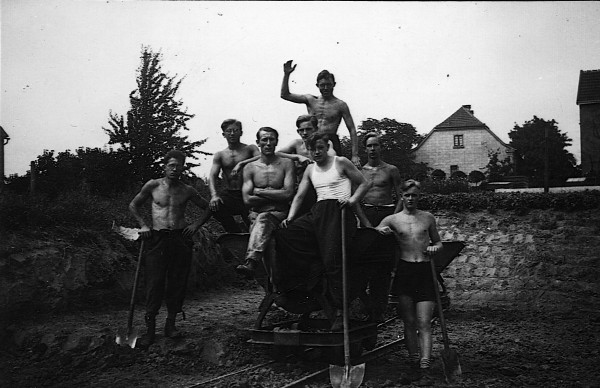 Bau des Sportplatzes für TV Eintracht 1879 Lütgendortmund e. V., Kersten'sche Wiese